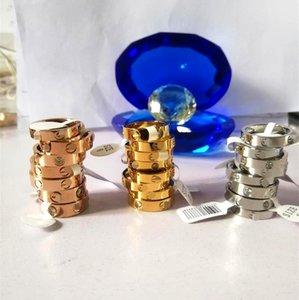 Titanio acciaio amore Anello Oro Argento Rose Gold Wedding Band anelli per le donne di lusso Zirconia anelli di fidanzamento uomini commerci all'ingrosso di gioielli