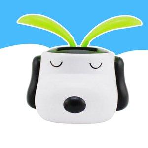 2016 nuova Solar Energy Toys auto decorazione Wholesale-Genuine serie Snoopy cane Sun Flower solare Bobblehead del fumetto di trasporto