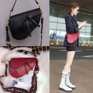 최고 품질 2020 새로운 핫 여성 패션 핸드백 어깨 가방 편지 자수 소녀 레이디 메신저 가방 Waistpacks 레트로 겨드랑이 가방
