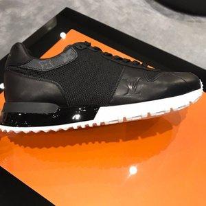 RUN AWAY SNEAKER 2020 새로운 시즌의 패션 럭셔리 남성 캐주얼 신발 디자이너 남성 스니커즈 고품질 통기성 남자 테니스 신발 C01