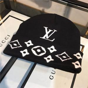 2020Astroworld lavorato a maglia Skulloutdoor cappello di inverno caldo antivento sci cappello più velluto cappuccio collare addensato cap inverno maschio a maglia cappello di lana