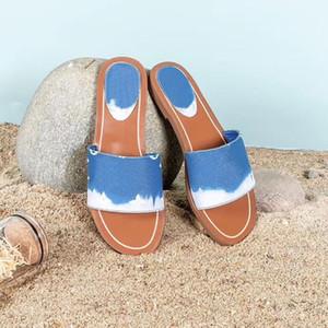 2020 scarpe da donna Escale bloccarlo piatto Mule Donne Slipper brevetto Monogram Canvas luxurys blu Sandalo della spiaggia di estate Pantoufle diapositive EU35-42
