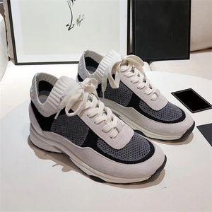 Frauen-Plattform stricken Sneakers Top-Qualität Kalbsleder Sneaker Weiß Grau Mesh-Schuhe Arbeiten Sie Breathable Lace-up Außenlaufschuhe mit Kasten