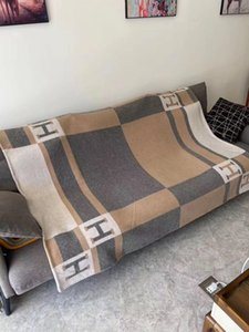Luxo sinalização H clássico cor xadrez padrão de lã cashmere cobertor xale 135 * 170cm 6 opções de cores presentes família quentes de Natal chegam novas