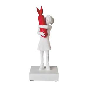 Luxuriöse 32CM Modern Art New Bomb Hugger Banksy Rot / Weiß Bomb Girl Street Art Resin Statue Kreative Home Geschenke Desktop-Dekor
