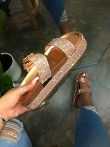 Venta caliente se desliza zapatos de plataforma de las señoras del diseño de calzado de moda al por mayor de la sandalia de las mujeres zapatillas