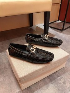 2020 Les plus populaires modèles de luxe véritable marque robe Concise Hommes d'affaires Chaussures en cuir hy200609