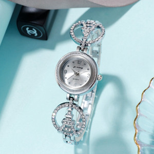 Mode kreativer Trend neue Frauen Damen-Legierung Metall Liebe Herzen Uhr mit Stein Eiffelturm Kleid Quarzkristall Geschenk Uhren