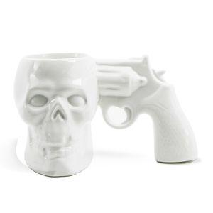 Yeni Creative Kafatası Tabanca Mug 3D Kafatası Tabanca Kolu Seramik Kupa Kişisel Hediyeler Garip Bardaklar Yaratıcı Mug En Hediye T200506