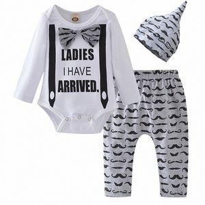 Roupa do bebé 2020 Autumn Infante recém-nascido Set Tops Cavalheiro Calças Hat Cotton 3Pcs New Born Criança roupa Outfit Define 1IwB #
