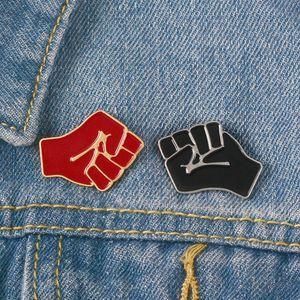 Couleur Noir Rouge Unité de solidarité Fist Mignon Les petits drôles émail pour les femmes PINS Broches hommes Demin Shirt Décor Broche Badge en métal