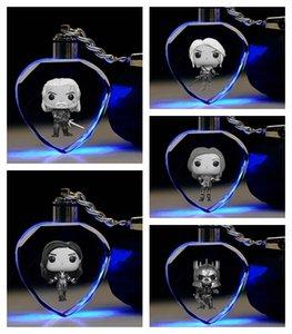 Toy Cristallo Figura Geralt Yennefer cuore Anime Key LED Catene LOGO figura portachiavi Keychain Light Portachiavi Unisex regalo NUOVO