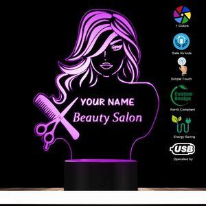 Salon de beauté Mode Lady LED Night Light Illusion Barber Shop Coiffeur Scissor Peigne Lampe de table sur mesure Votre nom moderne Lumière