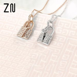 Fashion Key And Lock Pendant Easy to Use Fashion Crystal Necklace Jewelry Gift For Women