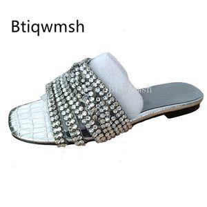 2020 Rhinestone Тапочки Женщины Вьетнамки кристалл алмаза Nude Silver Flat обувь моды женщина гладиатор сандалии