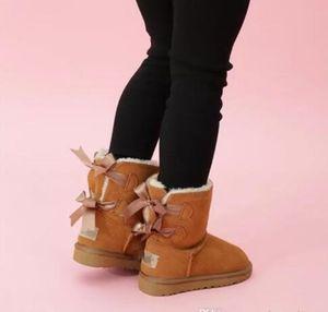 2020 Tasarımcı Çocuklar Boots WGG Avustralya Kar Kış Boots Bailey Bow Çocuk Kız Erkek Üçlü Siyah Pembe Haki Bilek Patik 26-35 UN18