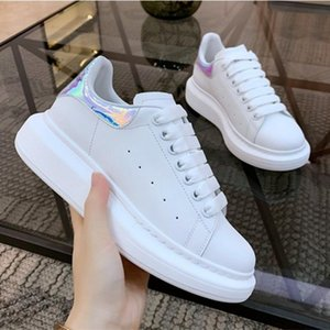 Cheap 2020 New Fashion Mens Casual Shoes Clear Sole Trainers White Red Yellow Pink Transparent Crystal Bottom Flats Men Women Sneak