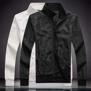 2020 nuevo Mens Trench Diseñador capa de la manera del estilo británico hombre medio-largo del otoño del resorte delgado de la chaqueta rompevientos masculino más el tamaño M-3XL