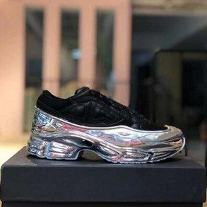 Sneaekers Raf Simons oversize Sneaker Ozweego uomini scarpe donne scarpe casual in effetti argento metallizzato Sole Sport Trainer QQ1