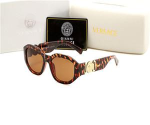 Womens дизайнерские солнцезащитные очки Новые моды спорта Rimless Gold Metal Wood солнцезащитные очки Мода женщин людей Leopard Версаче