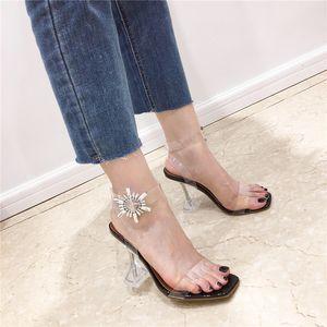 Mulheres Sandals Abrir Toe Rhinestone Slides PVC transparente Sandals Fino Salto Alto Wedding Party Shoes Vestido Bombas