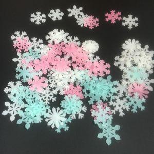 50pcs / lot 3D luminoso copo de nieve etiqueta de la pared sitio de los niños dormitorio decoración del hogar de la etiqueta brillan en la oscuridad pegatinas de bricolaje al por mayor de DBC BH3884