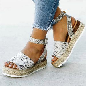 Сандалии женщины сандалии плюс размер клин обувь для высокой каблуки лето 2021 Flop Chaussures Femme платформа