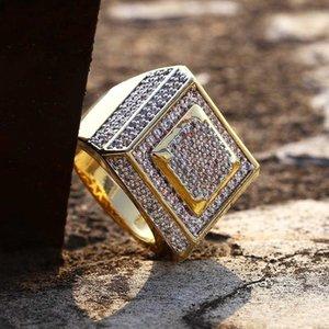 Hip Hop degli uomini di modo anelli di rame di colore dell'oro Anello Bling fuori ghiacciato pavimenta Cubic Zirconia fascini Geometria Piazza ring per psjewelry uomini regalo