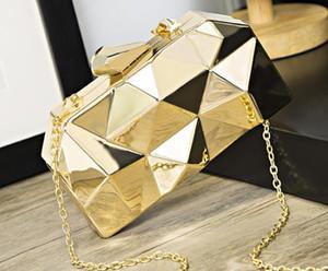 Designer Handbag 2020 Newset Fashion Female Bag Dinner Metal Hand Chain One Shoulder Messenger Small Square Banquet Bag