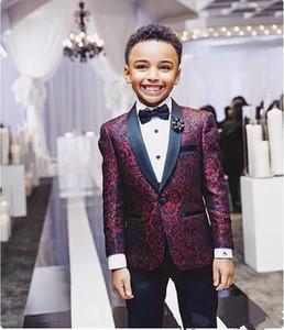 Meninos bonitos 2 Pieces Borgonha floral Boy Formal Wear aniversário festa de casamento Calças lapela preto com preto