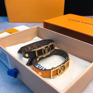 Luxus-Designer-Schmuck Frauen Armbänder mit Gold-Metall-Logo-Plakette orangel schwarzen Leder Monogramm-Muster Armband Markenlogo pulsera mit Kasten