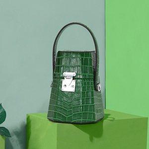 Luxus-Marken-Handtasche Frau 2020 neue Sommer-Box Parfüm Tasche Minderheit Design ein-Schulter Kreuzkörper Lederhandtasche mit Krokodilmuster