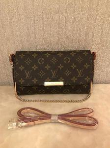 2019 new Women's chain shoulder crossbody bag diagonal leisure fashion letters small square trendy handbags6