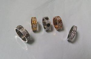 Gioielli acciaio al titanio anelli anello di fidanzamento di nozze 2/3 righe diamante di Zircon per uomini e donne 2 colori Select