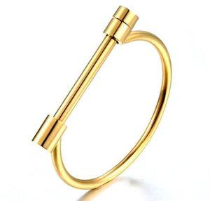 Bracelet personnalité européenne en plein essor sous vide en fer à cheval en acier de titane plaqué or D mot fer à cheval boucle bracelet en acier inoxydable