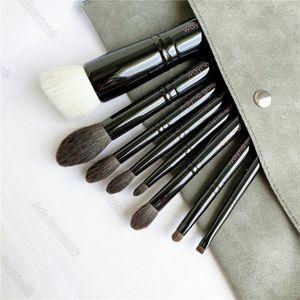 Wayne (Goss) spazzole di trucco - la collezione di 8 pezzi Fondazione Ombretto in polvere cosmetici Strumenti 01/02/03/04/05/06/07/08