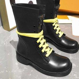 Metropolis'in korucu düz çizmeler dantel-up deri üst metal logosu düşük topuklu şövalye botları dikiş İngiliz tarzı Martin botları tuval