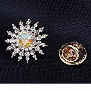 Pretty Small Flower Crystal Rhinestone Brooches for Women Brooch Pins Jewelry