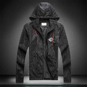2020 Mens Medusa Design Jacket Long Sleeve Zipper Hooded Luxury Jackets Men Fashion Floral Pattern Print Outdoor Streetwear Windbreaker Wint