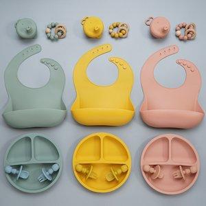 6pcs Gift Set BPA Grade do bebê Silicone Bib Fork Colher Pratos Prato Tigela Baby Feeding Supplies Acessórios recém-nascidos