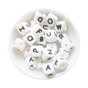 100/200/500 / 1000PC Alphabet silicone Perles 10 mm Anglais lettres silicone Teether perles BPA bébé Jouets en soins infirmiers Teething de la chaîne