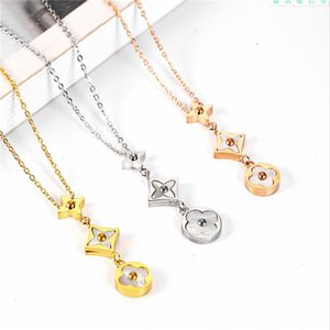 Womens Designer Necklace Jewelry New Fashion Necklaces High Quality Stainless Steel Flower Shell Pendant Necklace
