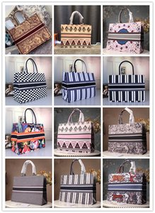 Luxury designer brand bags Designer fashion ladies large-capacity handbags Paris designer handbags fashion retro ethnic style canvas handmade embroidery pattern handbags