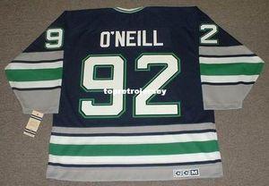 Vente en gros Hommes Jeff O'Neill Hartford Whalers 1995 CCM Vintage Cheap Retro Hockey Jersey
