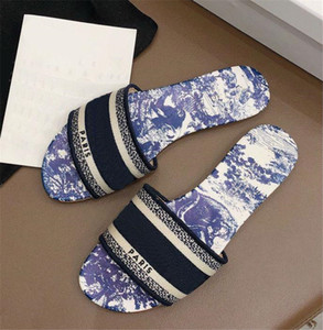 2020 yeni lüks Tasarımcı Deri Bayan Sandalet Yaz Düz Terlik modası deniz kadın Büyük baş Terlik Gökkuşağı harfler tasarımcı terlik