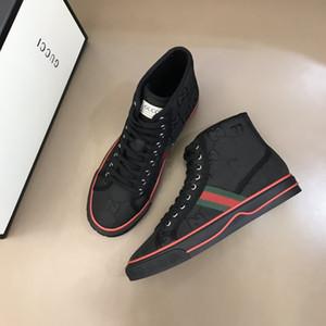 erkek spor ayakkabı tasarımcısının son model renklerini Eşleştirme erkek ayakkabı tasarımları, Açık dinlence seyahat ssneakers 38-44 RD058
