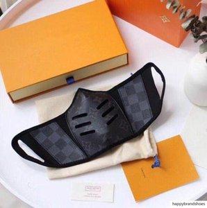 26 Estilo Unisex Luxo New Designer Máscara Meia cara, moda florais e carta de máscara de impressão boca tampas Homens e Mulheres máscara facial