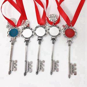 Titolare Natale Portachiavi con Red Ropoe Catena chiave del metallo Titolare del rossetto per le ragazze regalo Chapstick Decoraton Chriatmas 08