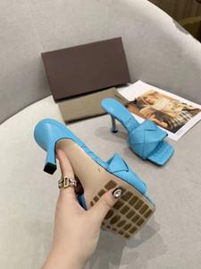 Nouvelle marque 2020 chaussures sexy femme d'été Boucle Bracelet Rivet Sandales Chaussures à talons hauts Pointu cuir mode simple talon haut 9.5cm