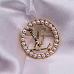 Commercio all'ingrosso oro 14K rotonde Hollow lettere LLV gioiello Spilla Pearl lettere corpetto della ragazza delle donne abito da sposa accessori